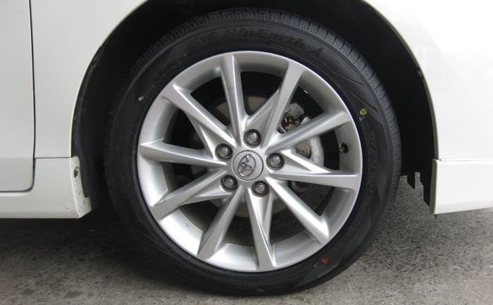 タイヤ交換 215/50R17