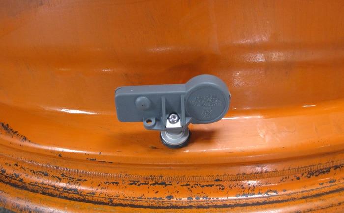 空気圧センサー装着例ホイール内側