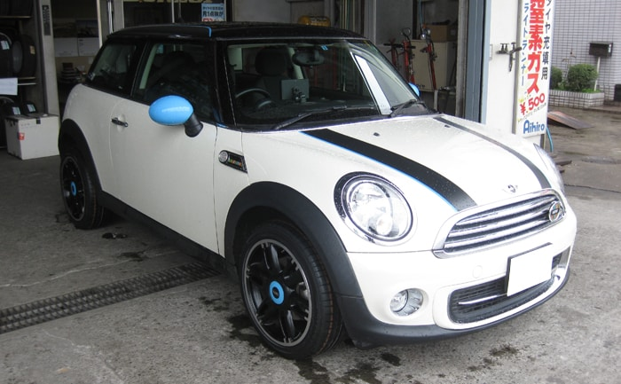 mini タイヤ交換 205/45R17