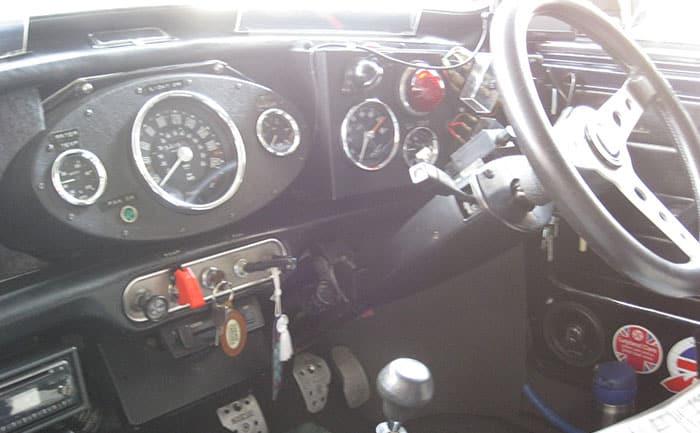 ミニクーパー-運転席