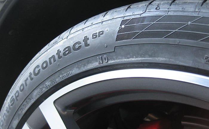 コンチネンタル-ポルシェ承認マーク付きタイヤ