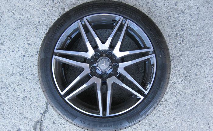 ベンツV220-純正タイヤ-ホイール-245/45R19