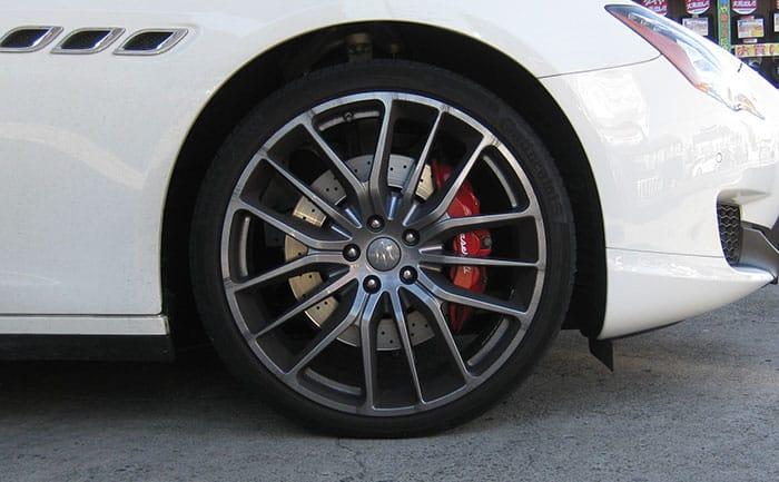 マセラティ純正タイヤ フロント 245/35R21