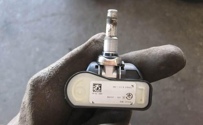 マセラティ タイヤ空気圧センサー TPMS