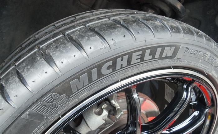 ミシュラン パイロットスポーツ4 タイヤ交換