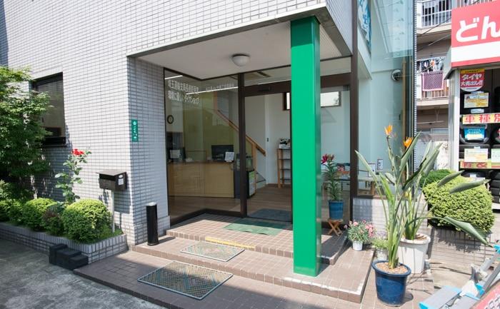 店舗 エントランス タイヤ 埼玉県