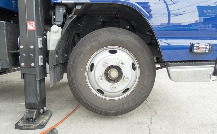 205/85R16 エルフ 純正 トラック タイヤ