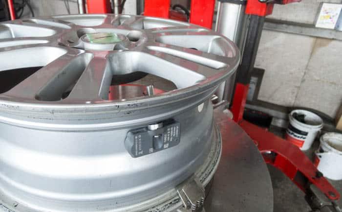 アルミホイール 装着 空気圧センサー TPMS