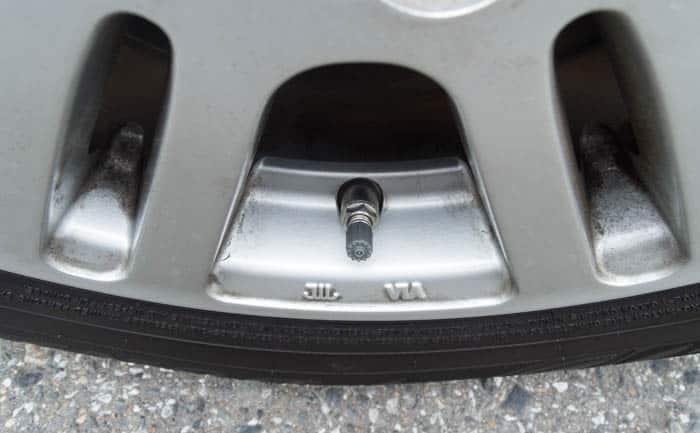 タイヤ交換 空気圧センサー 温度センサー