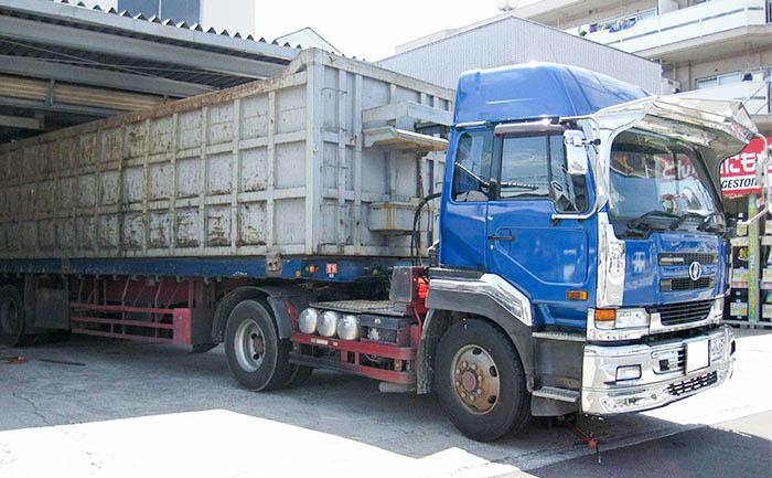 大型トラック タイヤ交換 埼玉県