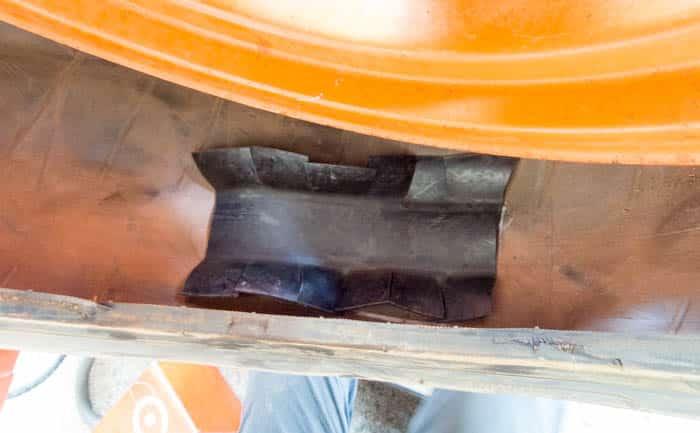 タイヤ内部 損傷 修理