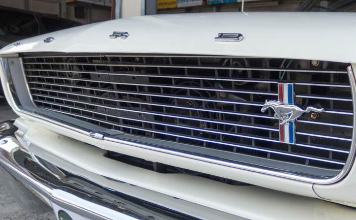 フォード マスタング フロントグリル