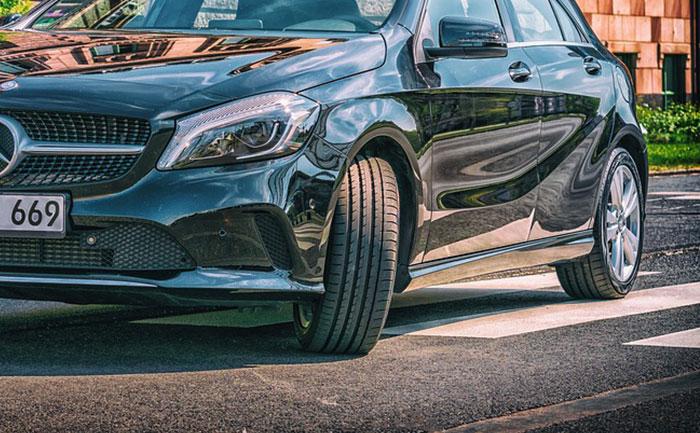 Mercedes タイヤ ホイール