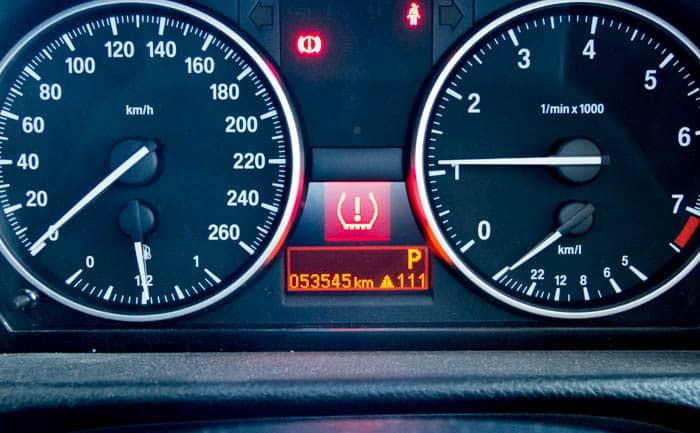 空気圧 初期化 BMW リセット