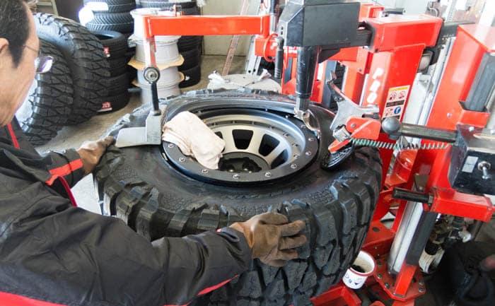 タイヤ交換 40×15.50R20