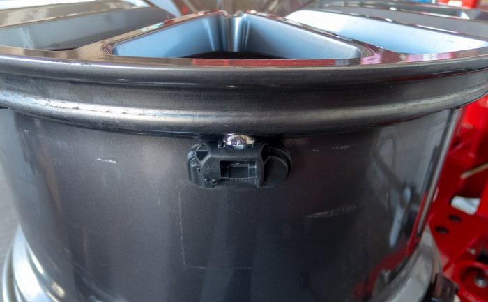 メーカー純正空気圧センサー