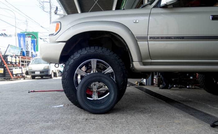 タイヤサイズ比較 325/60R20