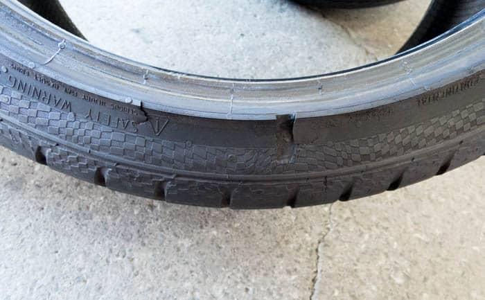 タイヤ 傷 外傷 縁石