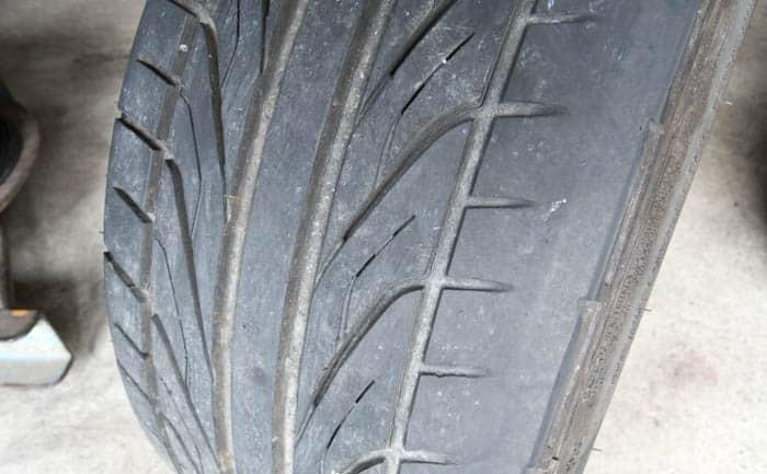 フェアレディZ タイヤ 摩耗 交換