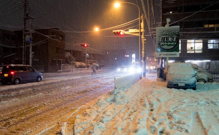 埼玉県 雪 スタッドレスタイヤ