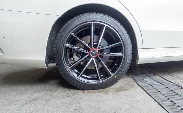 ベンツC250 タイヤ交換 リア