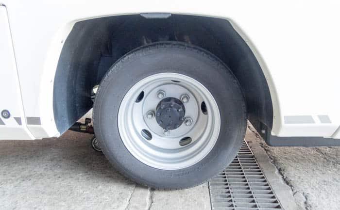 いすゞ キャンピングカー リア