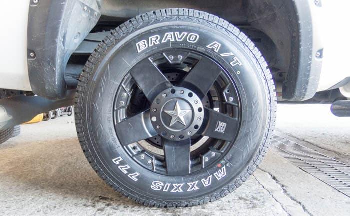 タンドラー マキシス 装着 タイヤ交換