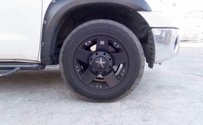タンドラー タイヤ交換前