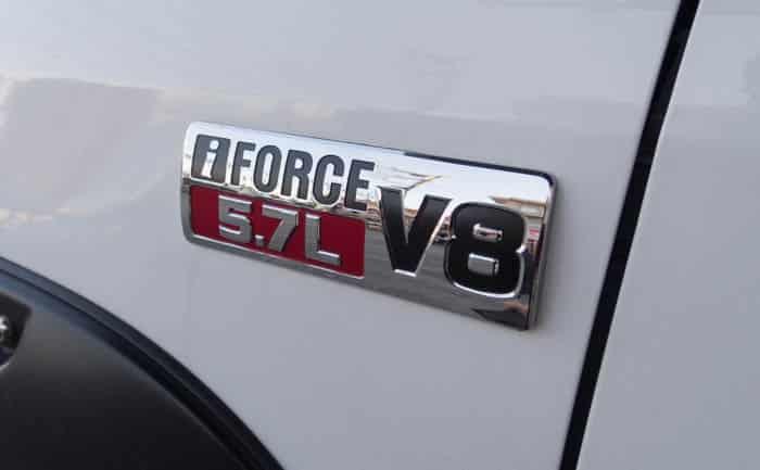 タンドラ V8