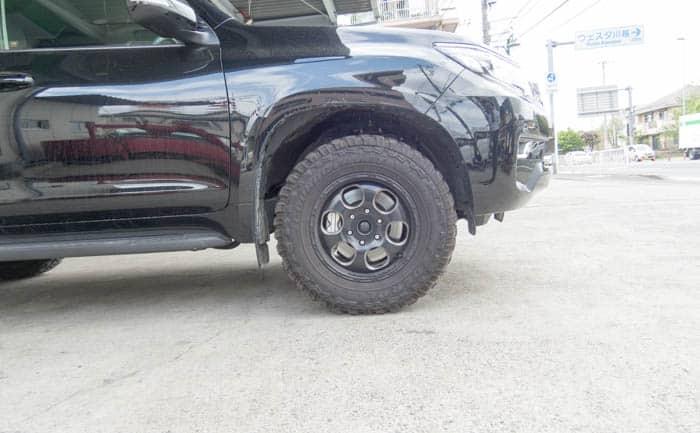 ランクル プラド タイヤ交換