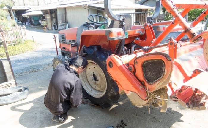 トラクター タイヤ交換 出張 相広タイヤ