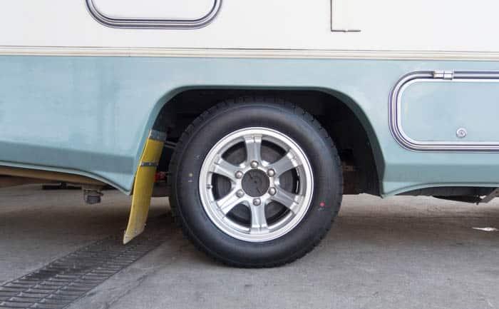 相広タイヤ タイヤ交換 TY285