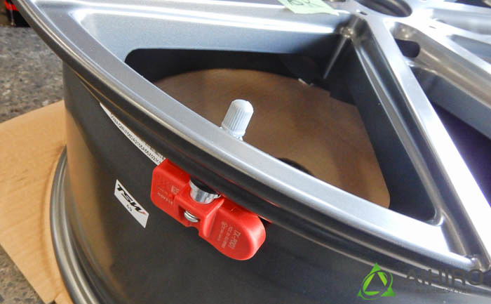 ホイール 空気圧センサー ポルシェ