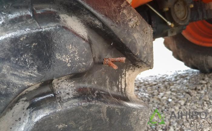 プラグ パンク修理 ホイールローダー