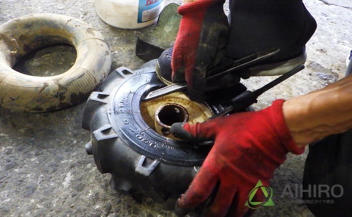 豆トラクター タイヤ交換 手組み
