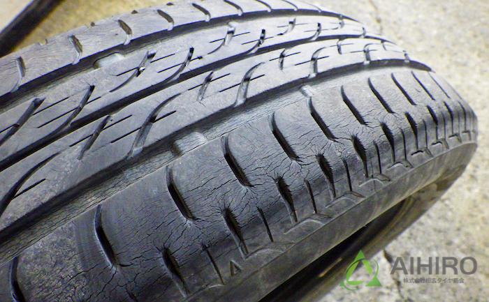 ひび割れ タイヤ スペーシア