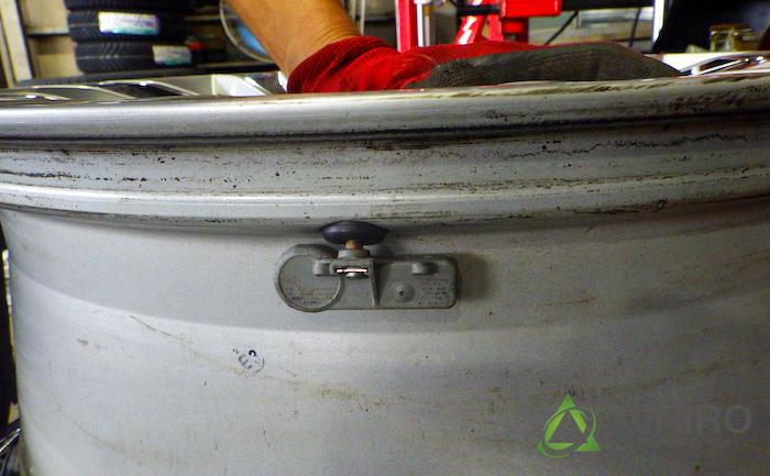 空気圧センサー ホイール タイヤ