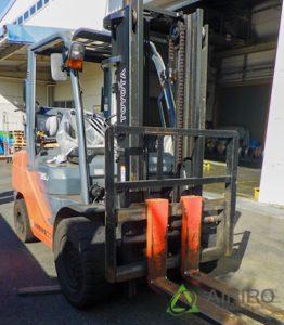 トヨタフォークリフト(GENEO35J)にアドバンスのノーパンクタイヤを装着しました[6.50-10(6.00)]