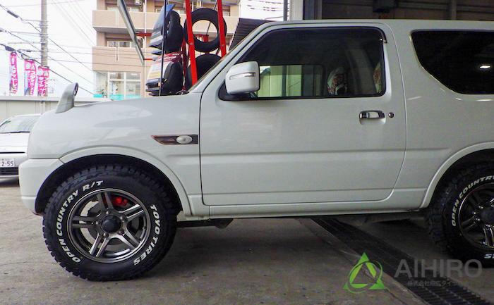 ジムニー ホワイトレター タイヤ交換