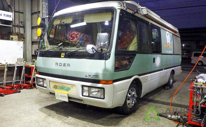 三菱 ローザ タイヤ交換