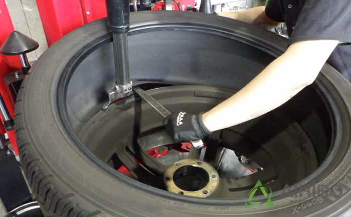 タイヤチェンジャー 脱着 空気圧センサー